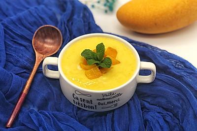 #百变水果花样吃#芒果酸奶奶昔