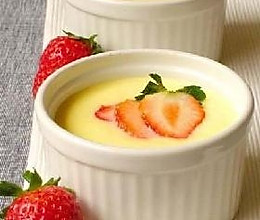 草莓蛋奶布丁的做法