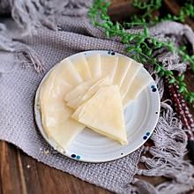 #快手又营养,我家的冬日必备菜品#饺子皮版春饼皮