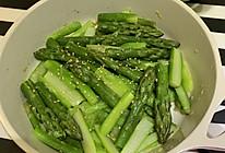 黄油蒜茸炒芦笋的做法