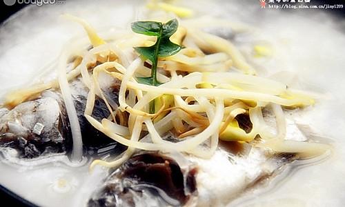 黄豆芽鲫鱼汤的做法