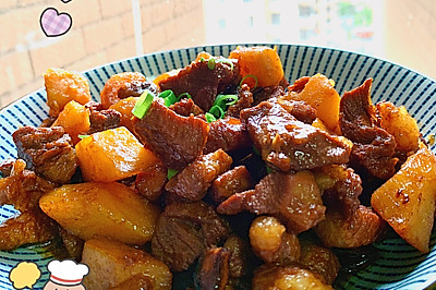 紅燒肉燉土豆
