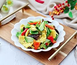 #美食视频挑战赛#鸭蛋黄瓜炒双椒的做法