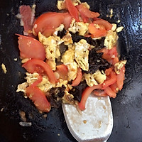 西红柿木耳炒鸡蛋的做法图解6