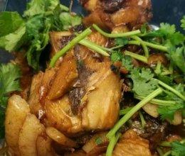 铁锅炖燕鲅鱼的做法