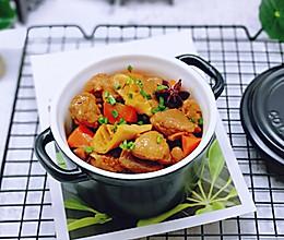 胡萝卜焖笋烧肉~下饭菜的做法