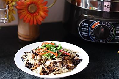 鲜美系列套餐:红枣玉米煲鸡汤+海鲜粉丝蒸白菜+清蒸金针菇