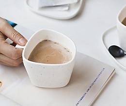 阿萨姆桂圆红枣姜糖奶茶的做法