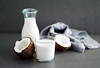 椰青制椰奶的做法