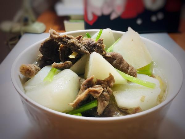 牛筋萝卜汤的做法