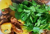 土豆烧排骨(简易版土豆烧排骨)的做法