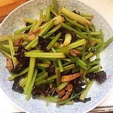 芹菜木耳肉丝