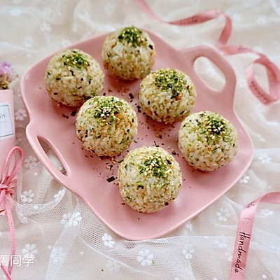 海苔肉松芝心饭团