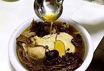 茶树菇炖三黄鸡的做法