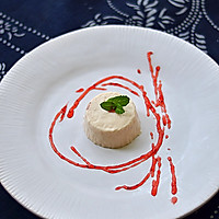 草莓椰浆奶油布丁的做法图解2
