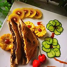 营养早餐:牛扒夹蛋三明治