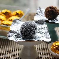 【趴体小零食】杏仁脆片巧克力球~~自制费列罗的做法图解10