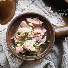 【排骨莲藕汤】#快手又营养,我家的冬日必备菜品#