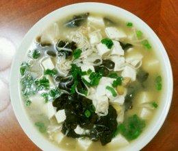 金针菇木耳豆腐汤的做法