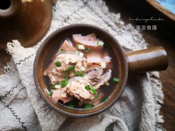 【排骨莲藕汤】的做法