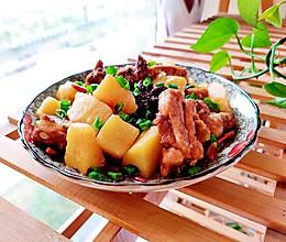 #餐桌上的春日限定#春日家常菜土豆炖排骨的做法