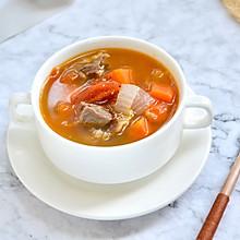 营养丰富的牛大骨汤