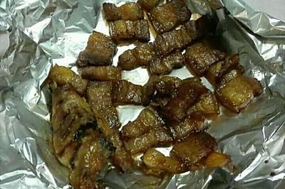 烤五花肉_12L烤箱也能烤出金黄肉片