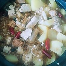砂锅土豆冻豆腐猪肉炖粉条