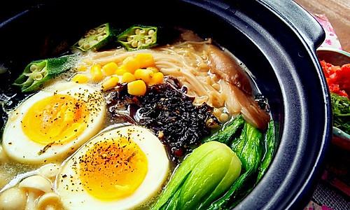 日式豚骨汤暖锅的做法