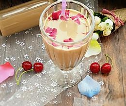 玫瑰花奶茶 #七彩七夕#的做法
