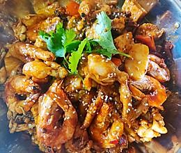 香辣牛蛙大虾鸡爪煲的做法