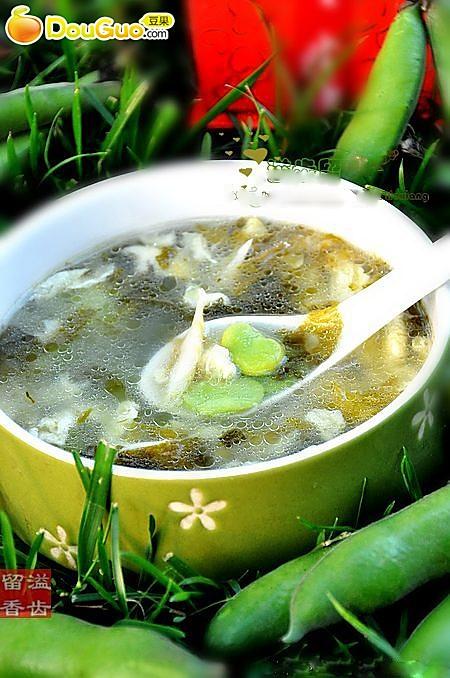 蚕豆怎么吃不会中毒-------雪里蕻蚕豆蛋花汤的做法