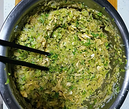 白菜素三鲜锅贴的做法