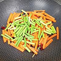 #元宵节美食大赏#胡萝卜炒腊肠的做法图解10