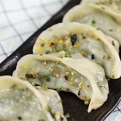 老上海猪肉锅贴,金黄焦脆增食欲