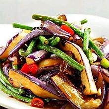 秋收季东北经典硬菜 猪肉土豆豆角烧茄子