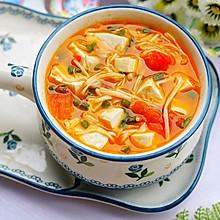 #秋天怎么吃#番茄菌菇豆腐汤