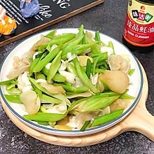 #味达美名厨福气汁,新春添口福#西芹百合炒白木耳