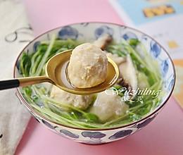 #精品菜谱挑战赛#豌豆苗菌菇丸子汤的做法