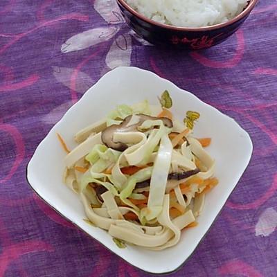 三丝炒豆腐皮