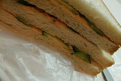 寝室简单-黄瓜三明治