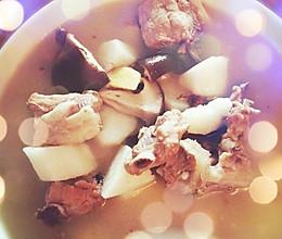 山药香菇排骨汤的做法