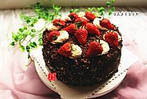 形似黑森林的草莓巧克力蛋糕的做法