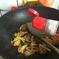 干锅花菜#春天不减肥,夏天肉堆堆#的做法图解10