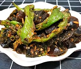 青椒炒皮蛋(家常做法)的做法