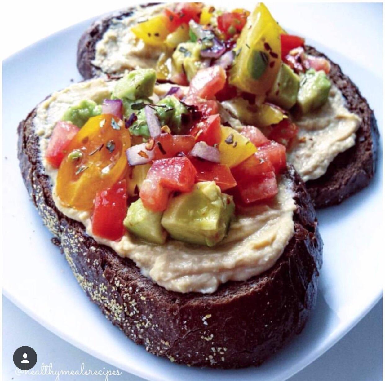 香蕉的热量高_吐司早餐怎么做_吐司早餐的做法_板刀面与馄饨汤_豆果美食