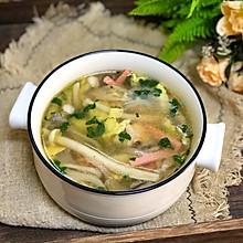 #春季食材大比拼#三鲜菌菇汤
