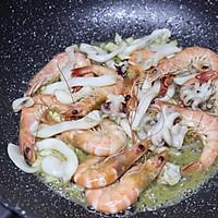 #硬核菜谱制作人#西班牙至尊海鲜烩饭的做法图解9