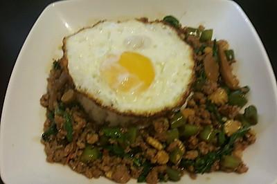 泰國羅勒肉碎飯