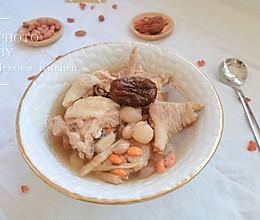 补气血花生红枣鸡汤的做法